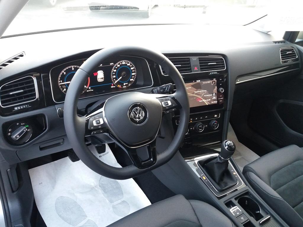 Volkswagen Golf 1.6 TDI Executive 115 cv (9)