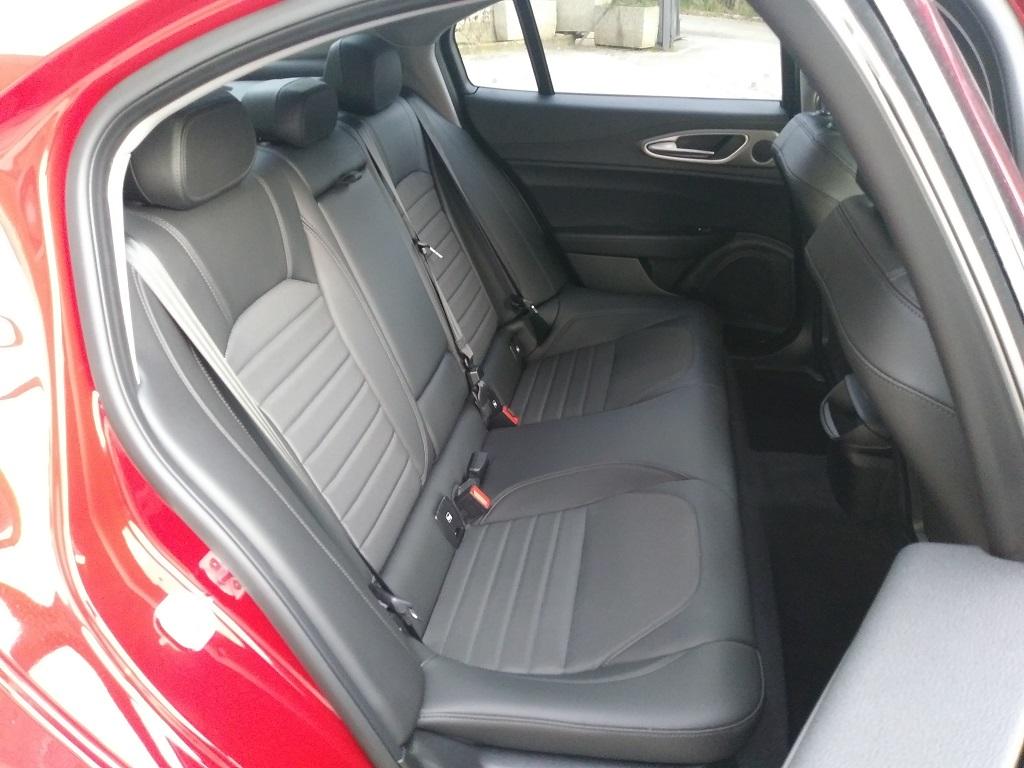 Alfa Romeo Giulia 2.2 Turbo Diesel 180 cv AT8 Super Sport Edition (13)