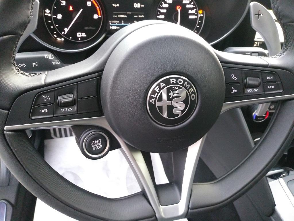 Alfa Romeo Giulia 2.2 Turbo Diesel 180 cv AT8 Super Sport Edition (26)