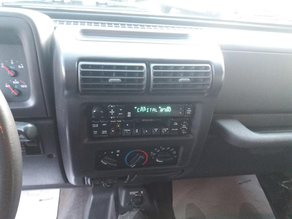 Jeep Wrangler TJ 4.0 Sport (10)