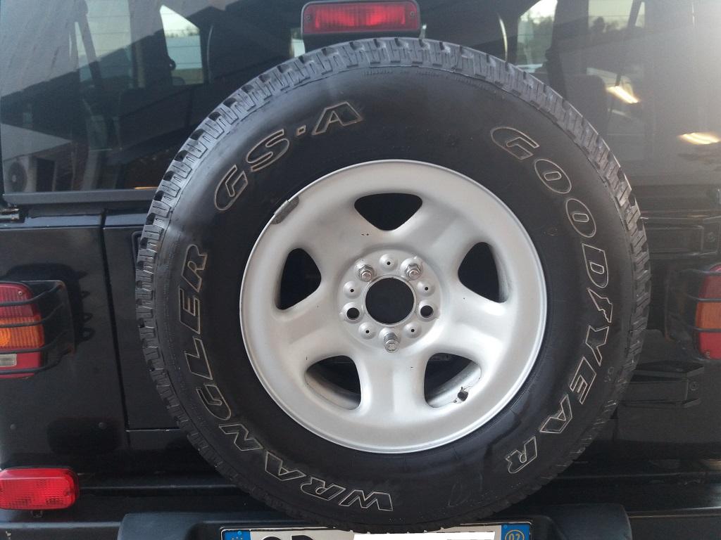 Jeep Wrangler TJ 4.0 Sport (28)