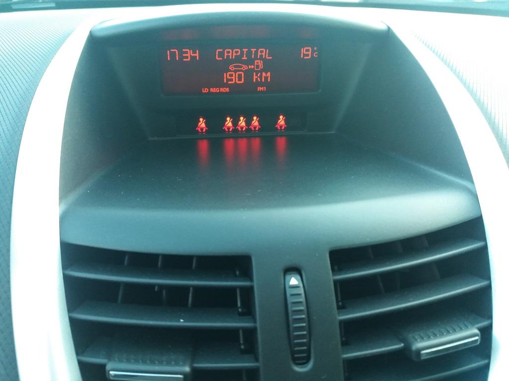 Peugeot 207 1.4 HDi 70 cv 3p Energie Sport (20)