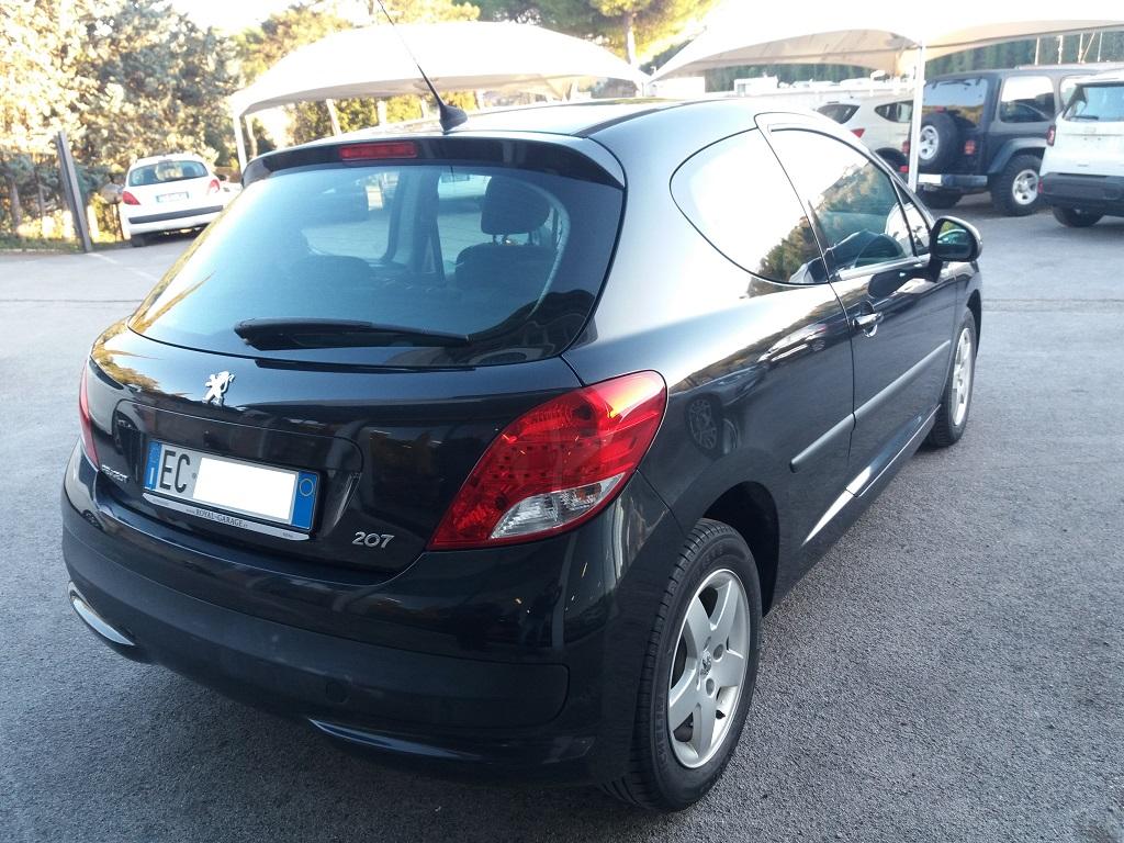 Peugeot 207 1.4 HDi 70 cv 3p Energie Sport (5)