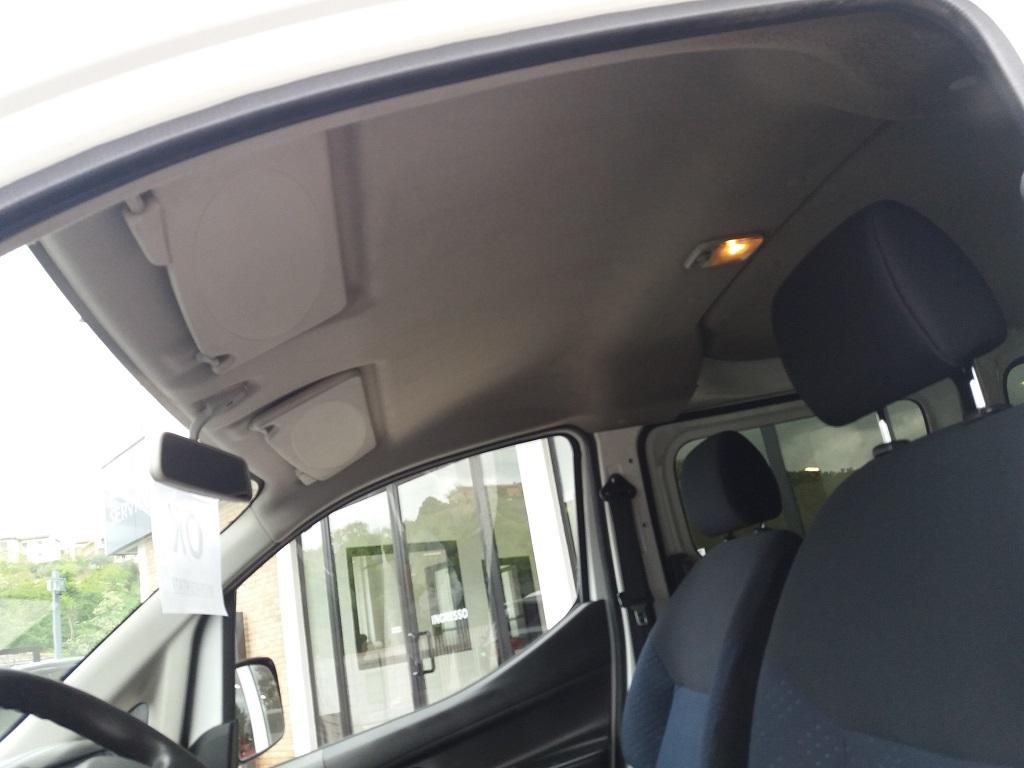 Nissan NV200 1.5 dCi 86 cv Combi Efficient (27)