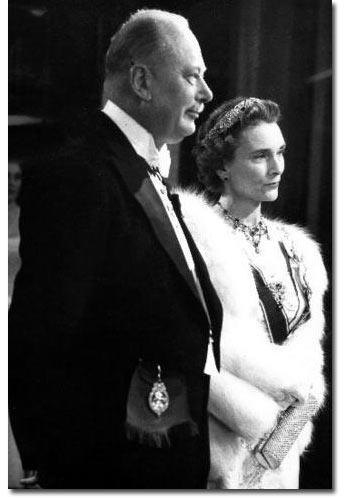 Royal Wedding Gifts  Hochzeitsgeschenk  Duchess of