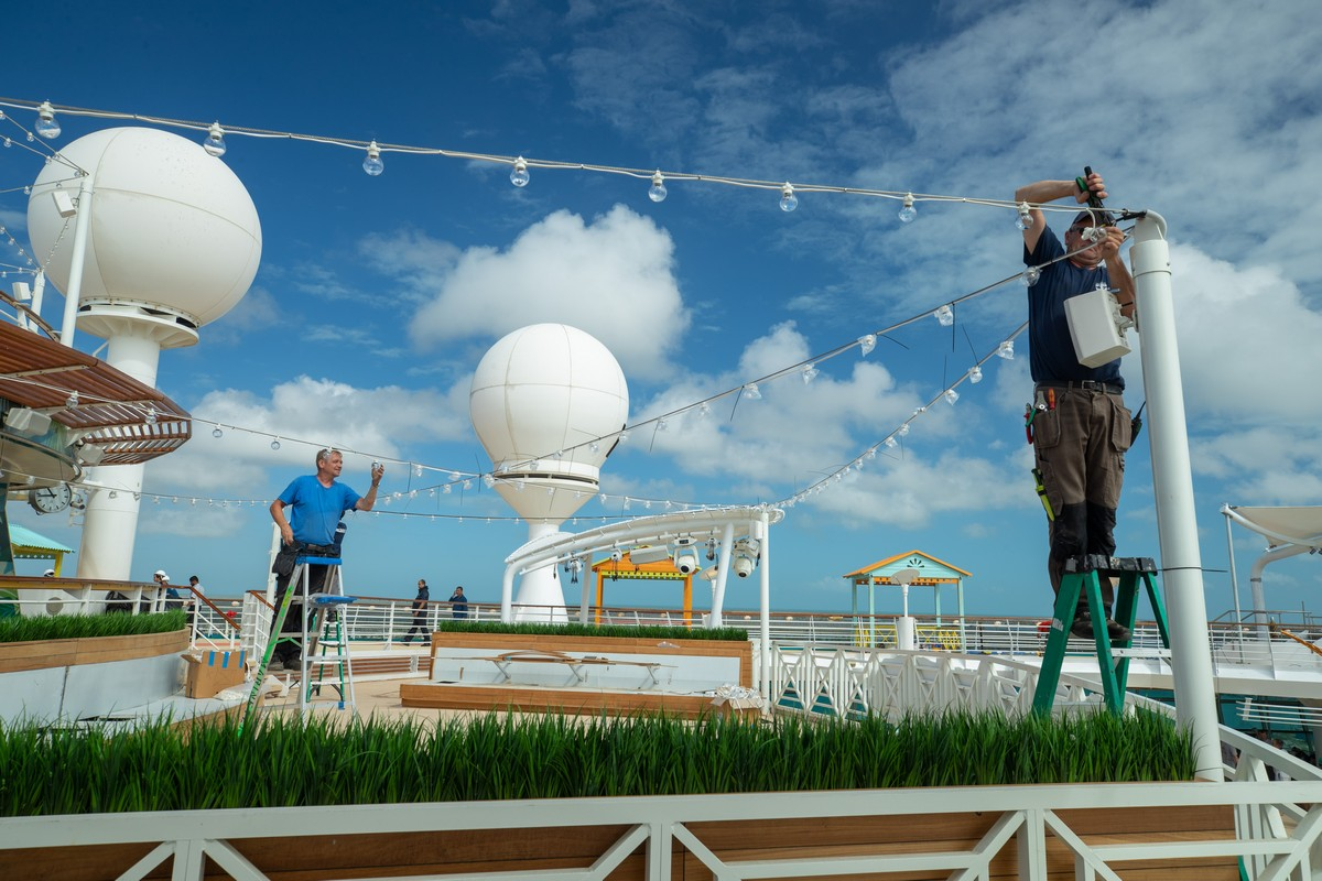 Royal Caribbean puts finishing touches on Navigator of the Seas