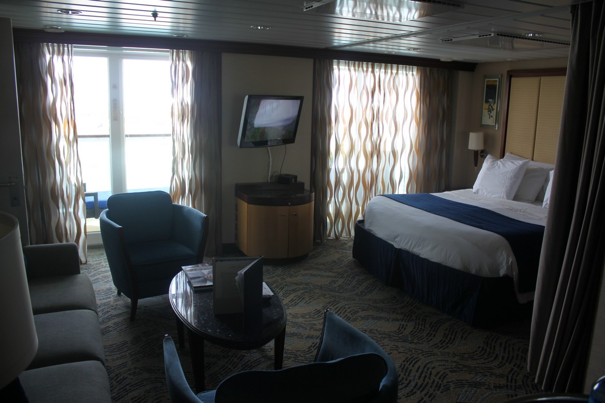 Photo tour of Grand Suite on Royal Caribbeans Navigator