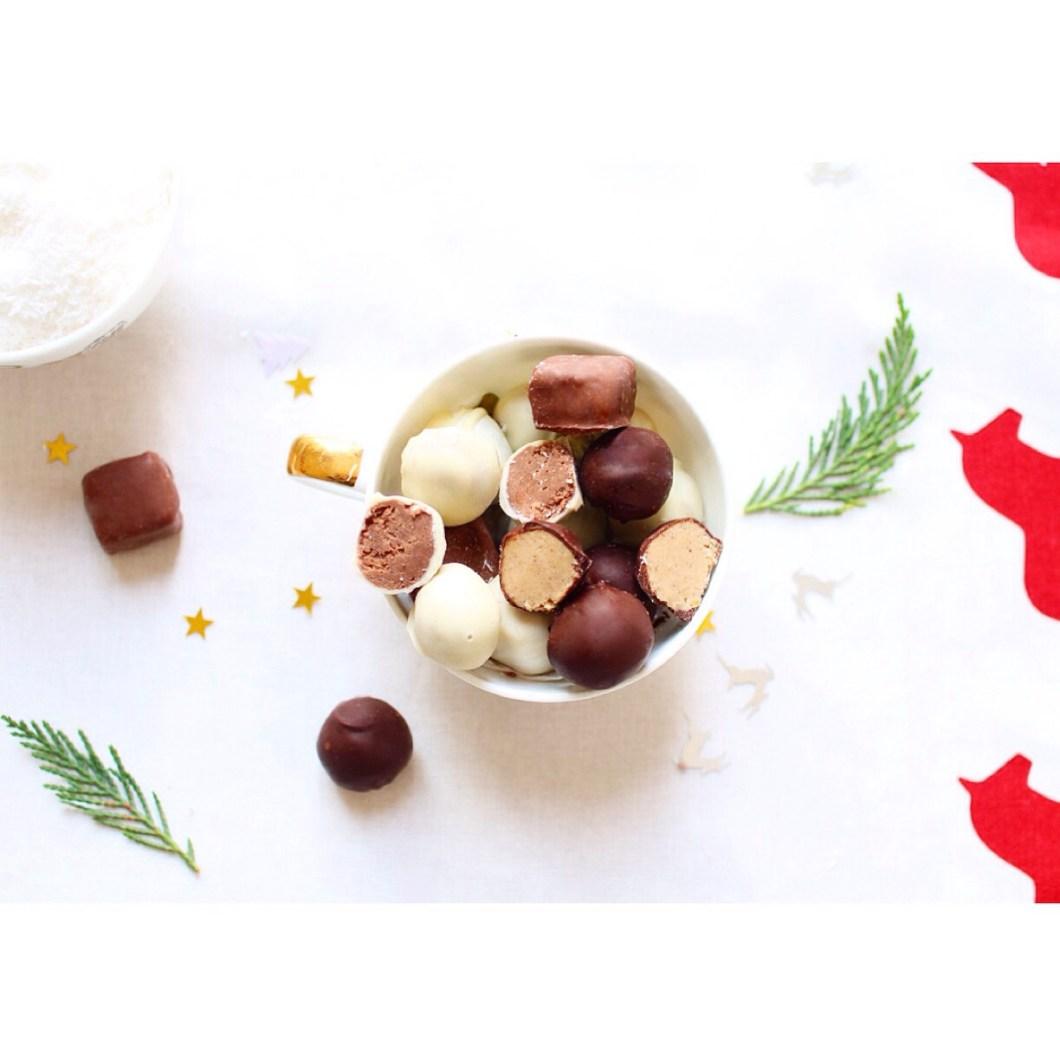 chocolats de Noël fourrés à la noix de coco