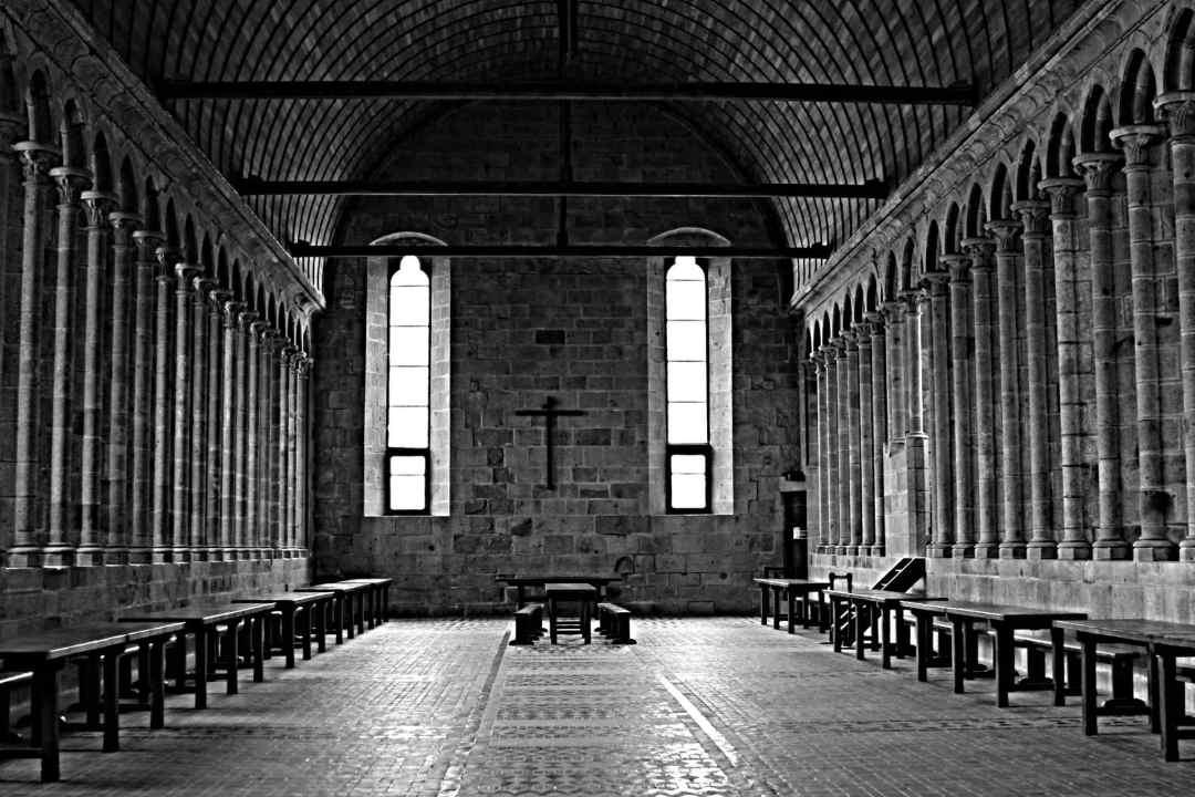 abbaye interieur mont saint michel