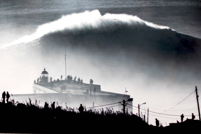 nazare surf photo vague exposition