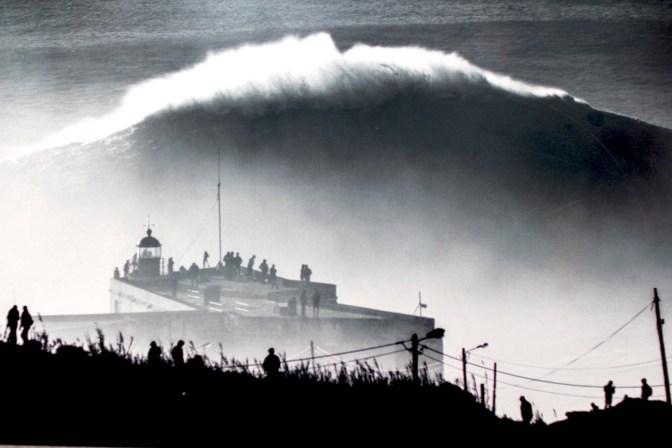nazare surf photo vague exposition