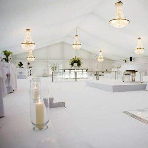 decoracion eventos de lujo alquiler Lamparas de araña para eventos y bodas
