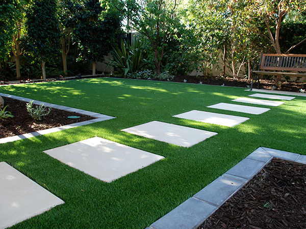 artificial lawns for gardens