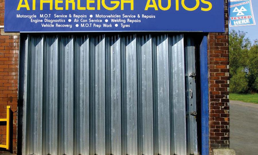 Sliding Folding Doors Luton Stevenage Milton Keynes  Bedford  Royal Industrial Doors