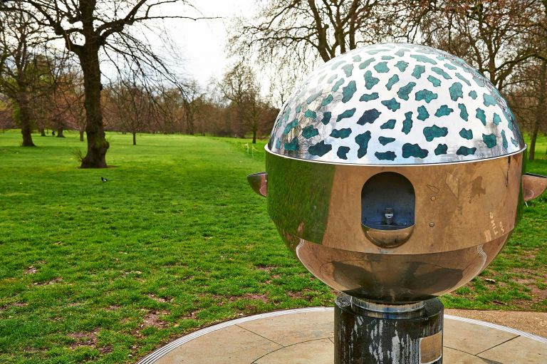 chairs with speakers inglesina fast table chair recall freeman family drinking fountain - hyde park the royal parks