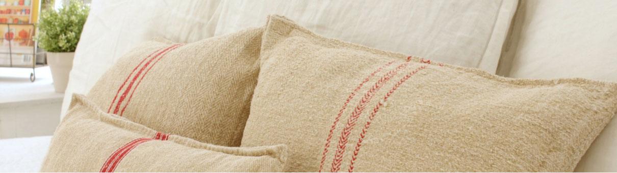 decorator supplies royal pillow