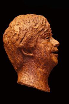 portret jongen brons