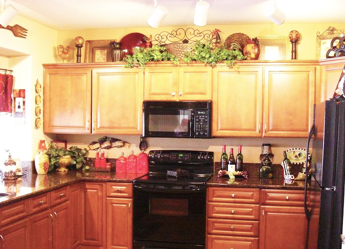 Decorate Custom Kitchen Cabinets for Perfect Kitchen   Roy Home Design