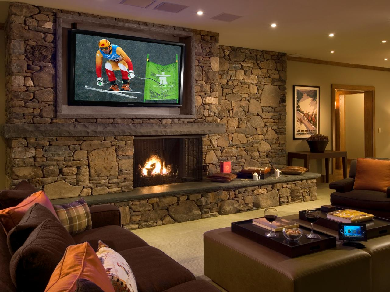 Ideas to Decorate a Living Room Theaters  Roy Home Design