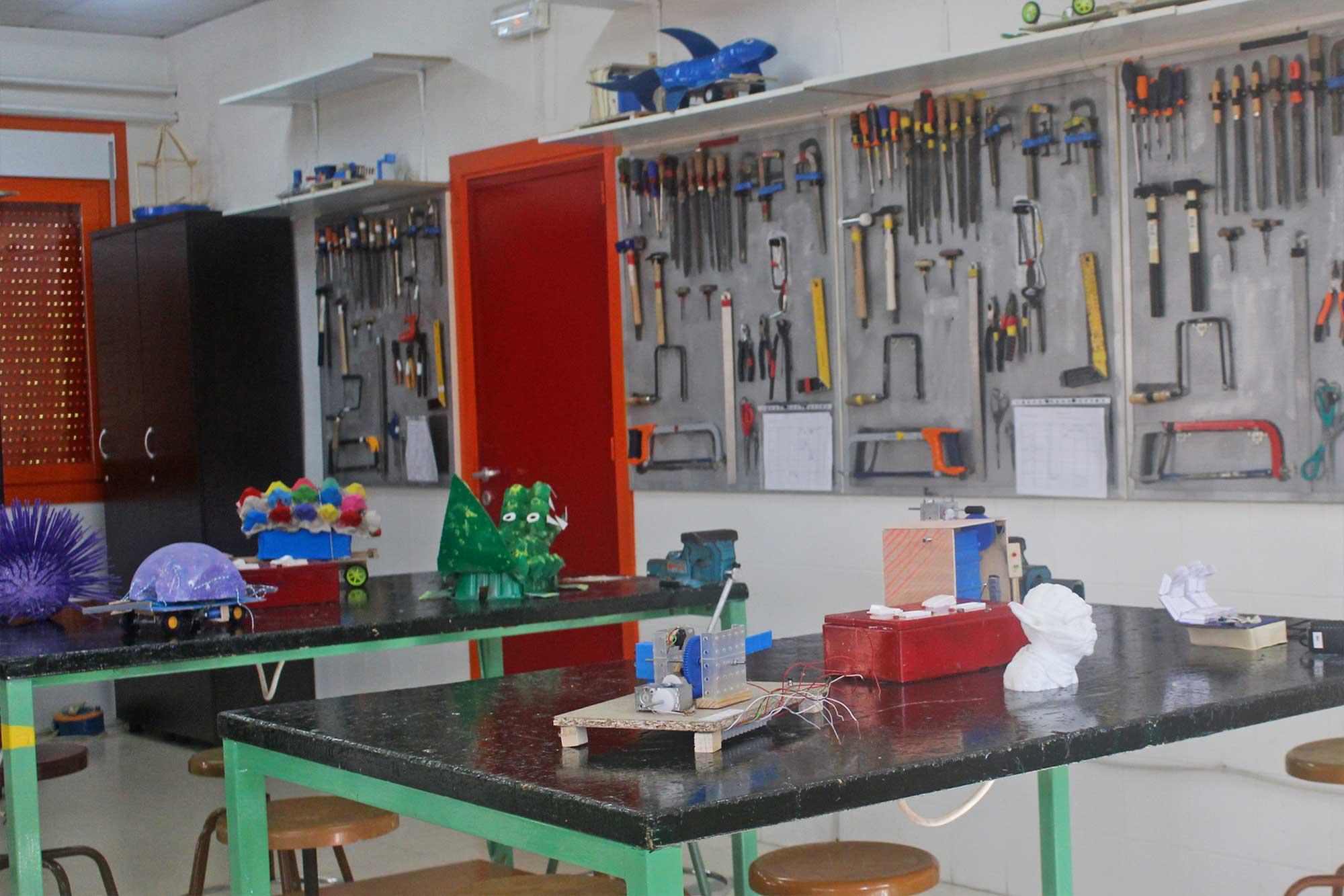Laboratorio de tecnología y robótica IES Las Rozas 1
