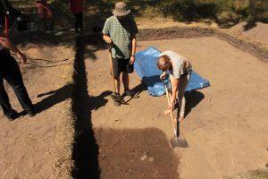 Jedno ze zdjęć związanych z wykopami archeologicznymi w Dębach