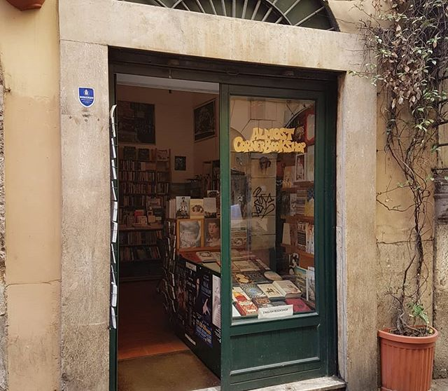 Almost Corner Bookshop, Trastevere. A gorgeous English language Bookshop in the very cool and funky Trastevere district of Rome. The bookseller tells me that there are two others in Rome. Didn't catch their names! May have purchased a book of sonnets for @simonmlewis . . .