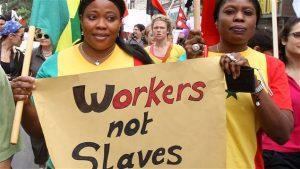 Manifestantes africains lors d'une marche contre les abus sur les travailleurs africaines au Liban