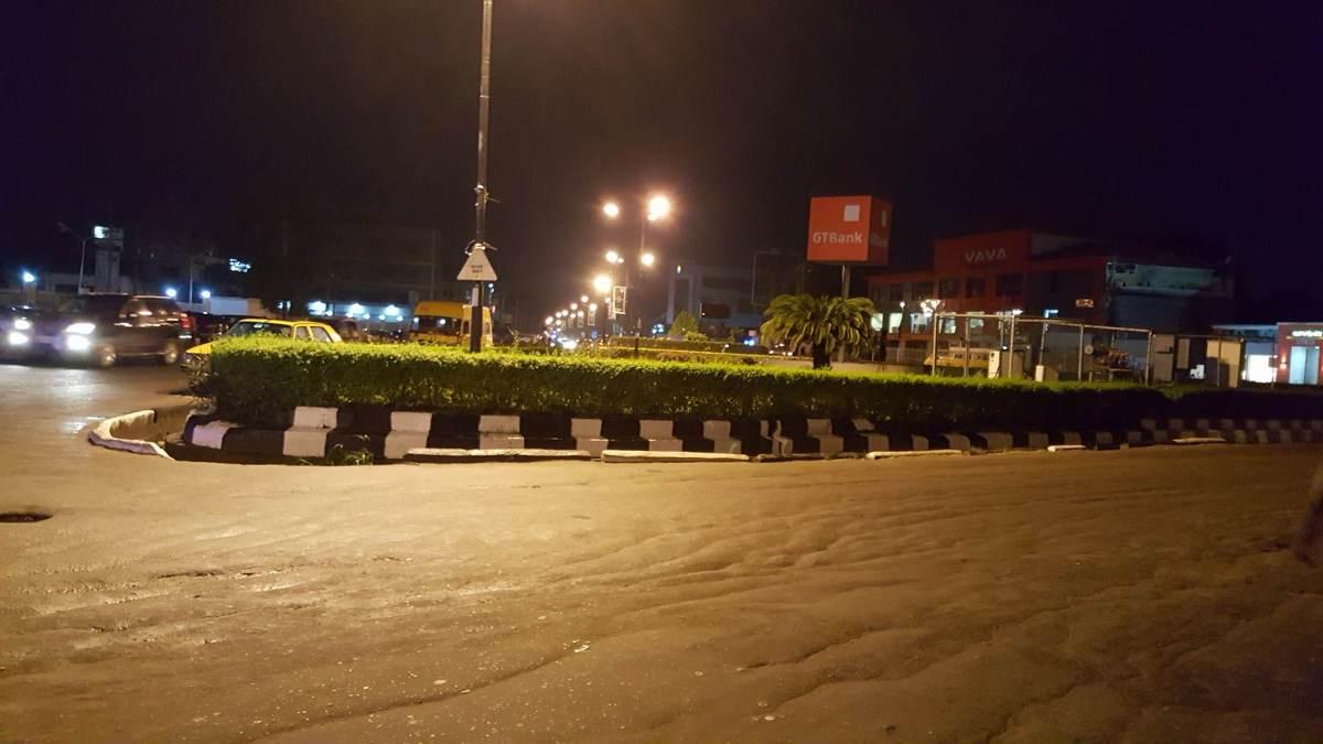 La prostitution à Lagos : le rond point d'Allen Avenue