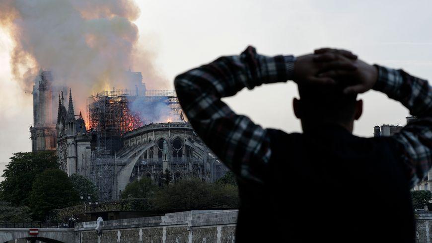 Notre Dame de Paris : quand une cathédrale en feu déclenche plus d'émotion que le massacre de 160 maliens