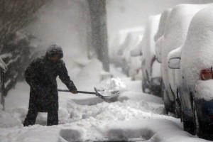 huge-snow-storm-slams-into-mid-atlantic-states