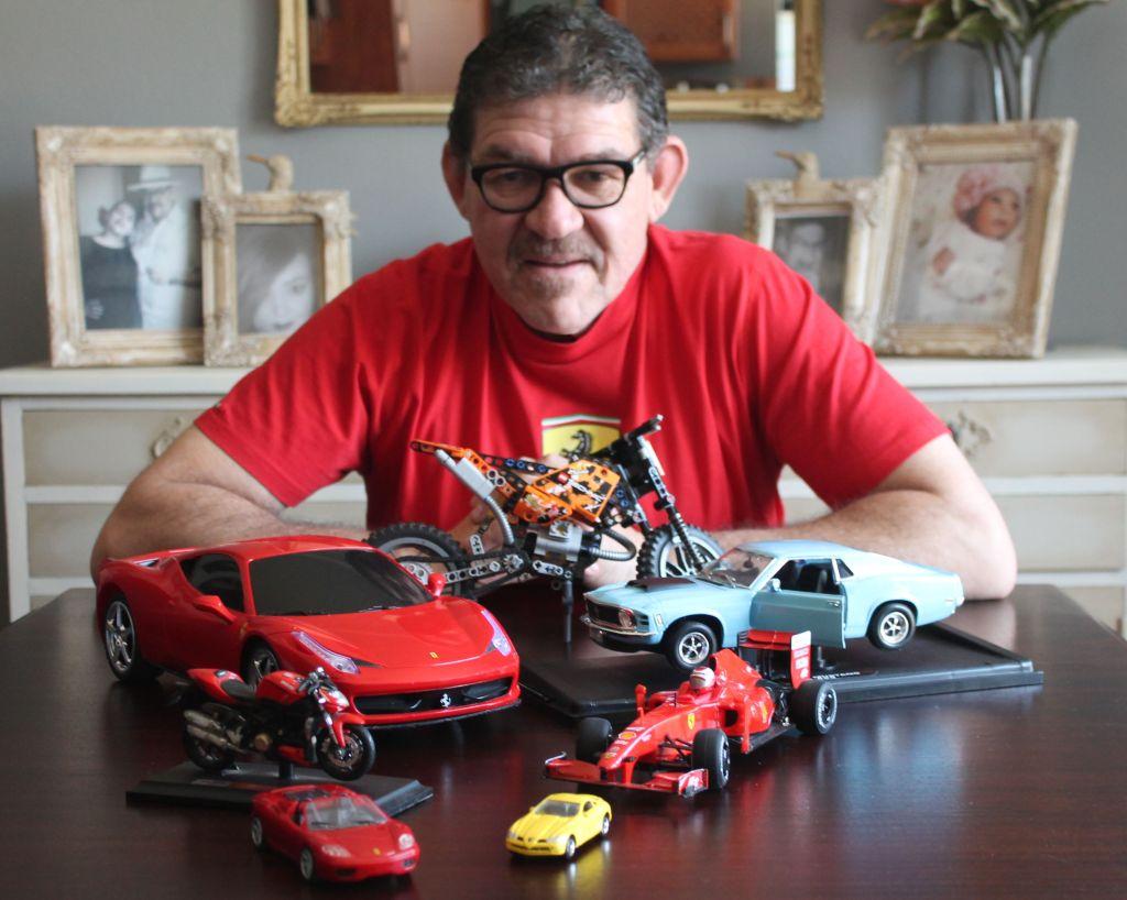 Ontmoet Fritz Klaaste: Man vir musiek, Ferrari's en sy gesin