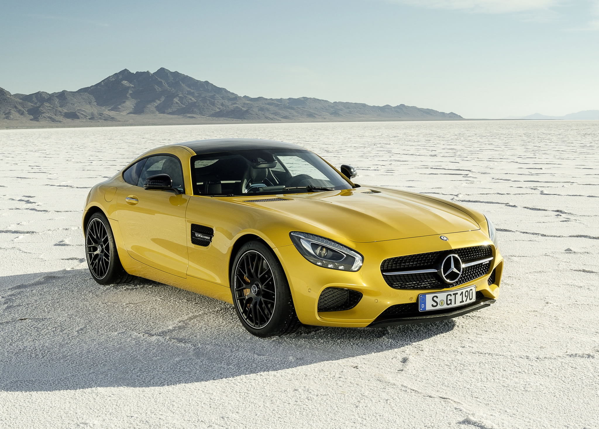2016 Mercedes Benz Amg Gt S Front Photo Solarbeam Yellow Paint