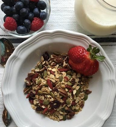 A Deliciously Healthy Goji Berry Granola