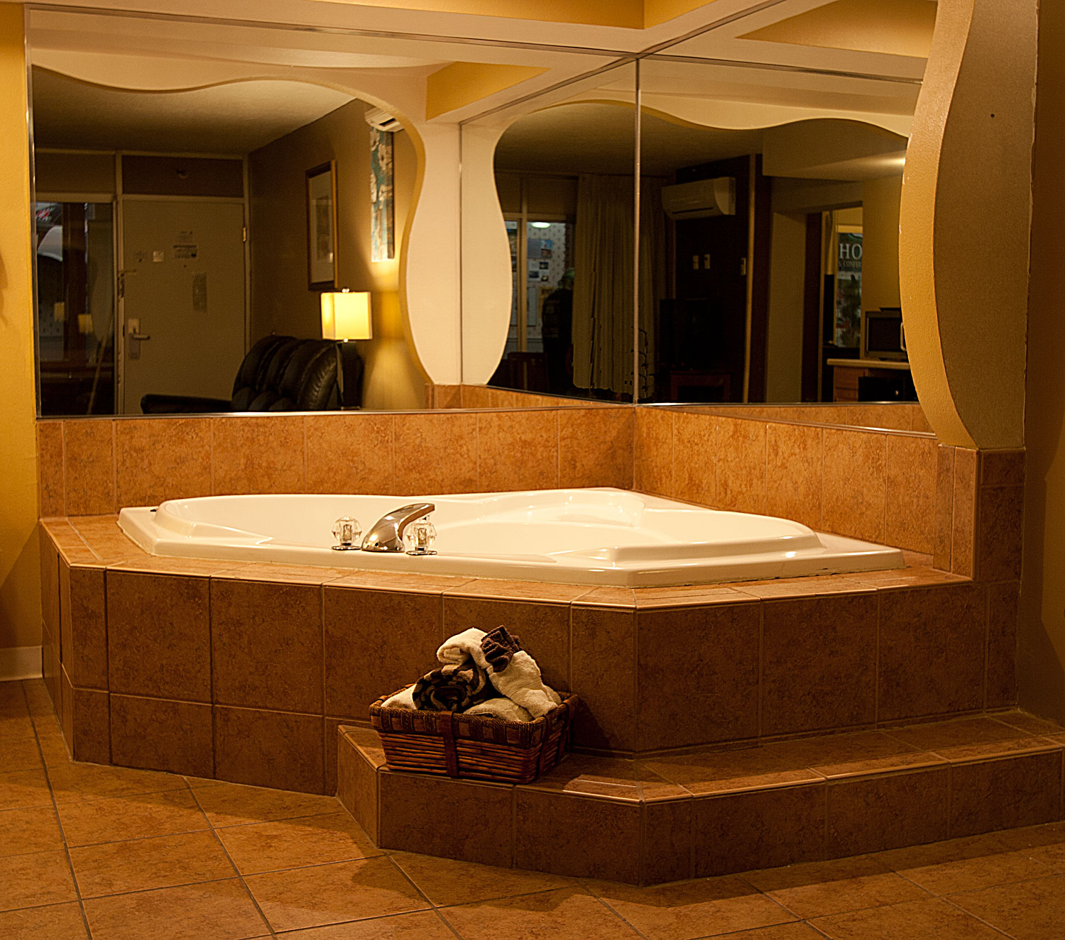 Route 66 Hotel Jaccuzi And Executive Suites Family