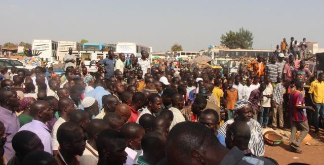 La population de tampouy est sortie nombreuse pour écouter le message de changement prôné par Me Bénéwendé SANSARA
