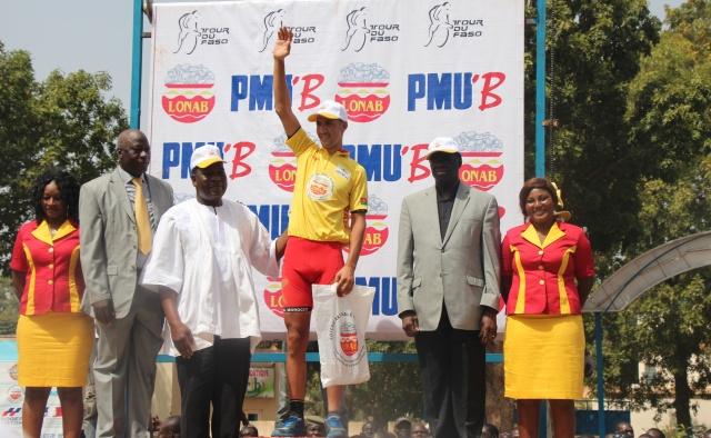 Le président du Faso a remis le maillot jaune au vainqueur