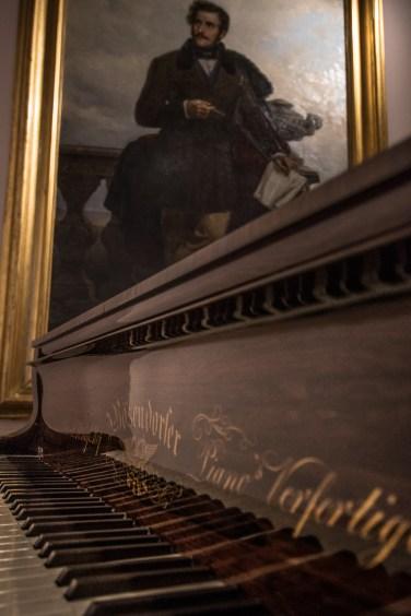 Pianoforte e ritratto di Donizzetti, Museo Donizettiano