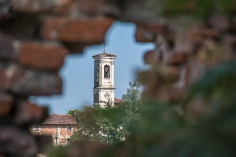 Badia di Dulzago. Scorcio del campanile
