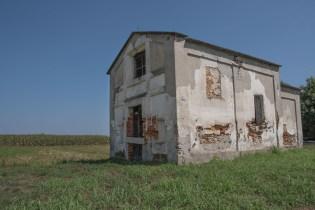 Cappella abbandonata. Oleggio