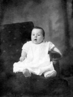 1917, déc - Jeanne de Kinder 6 mois