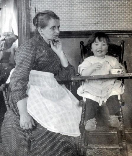 1919, Moe et Jeanne