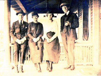 1919, oct. 18 rue Champlain, Frank Williams, Anna Krapels, Koba Krapels, Johan der Kinderen
