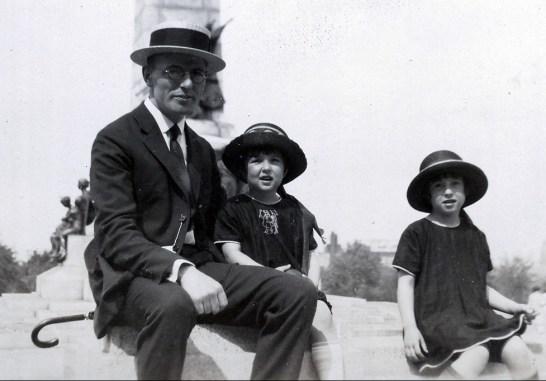 1923, Onkel avec Jeanne et Henriette