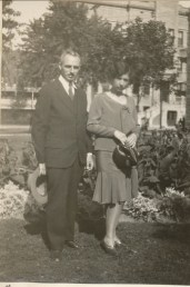 1929, Germaine et François de Kinder