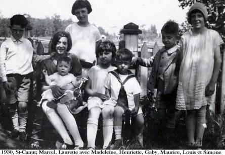 1930, St-Canut; Marcel, Laurette avec Madeleine Joly, Henriette, Gaby, Maurice, Louis et Simone copie