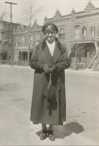 1931, Moe