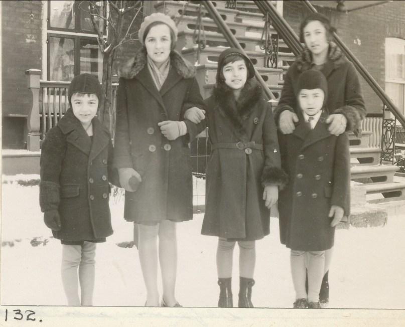1931, déc. Robert, Henriette, Gaby, Jeanne avec Louis