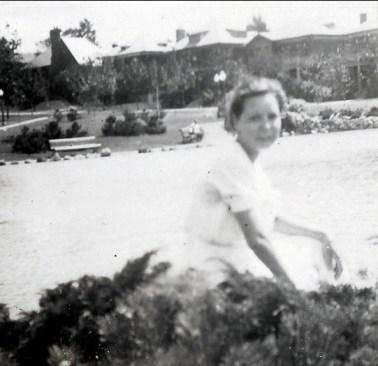 1934, Rita Fournier à Outremont