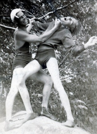1936, Albert Thivierge donne un upper cut à son cousin Robert Thivierge