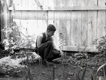 1938, Louis de Kinder
